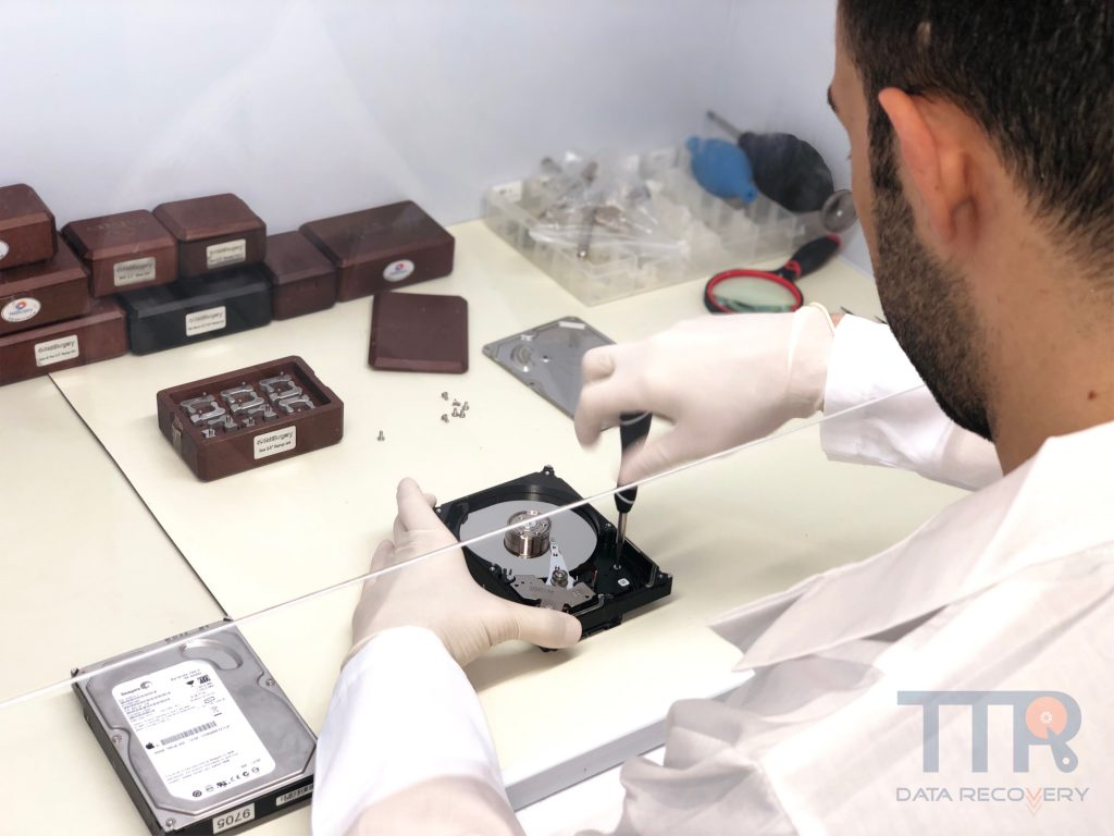 Ashburn Va Ttr Data Recovery | Clean Room