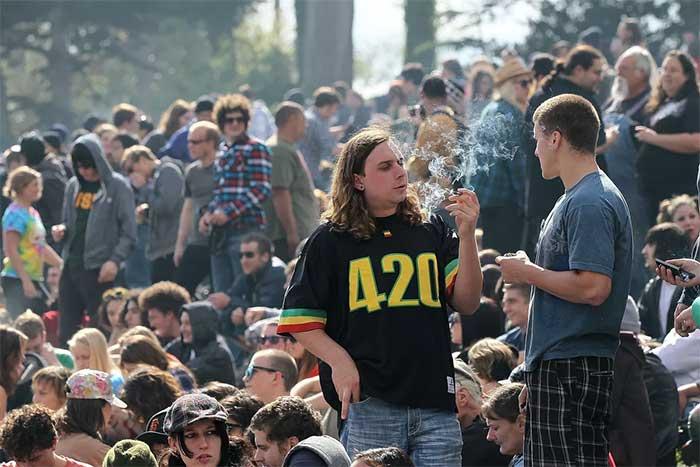 Washington Locals Celebrate 420